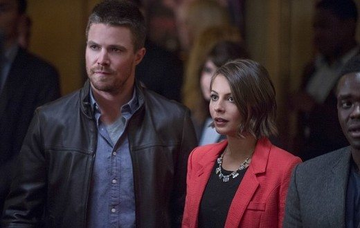 "Arrow -- ""The Candidate"" -- Image AR402B_0220b -- Pictured (L-R): Stephen Amell as Oliver Queen and Willa Holland as Thea Queen -- Photo: Cate Cameron /The CW -- © 2015 The CW Network, LLC. All Rights Reserved."