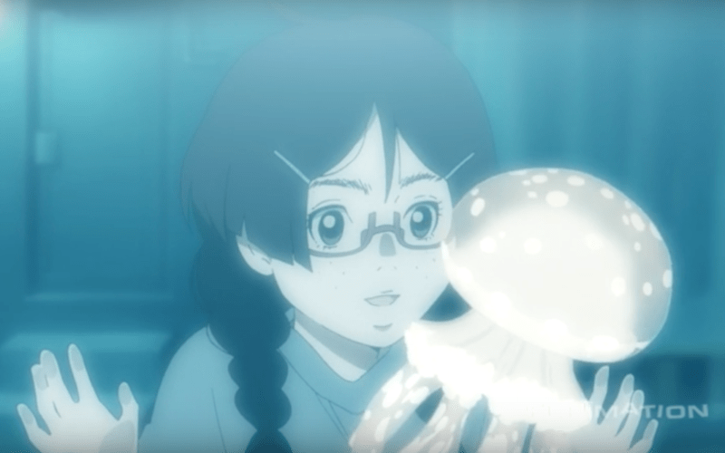 Tsukimi of PRINCESS JELLYFISH watches Clara the jellyfish from outside the pet store.
