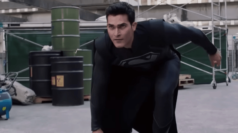 A Review Of The ELSEWORLDS CW Crossover Event - ComicsVerse